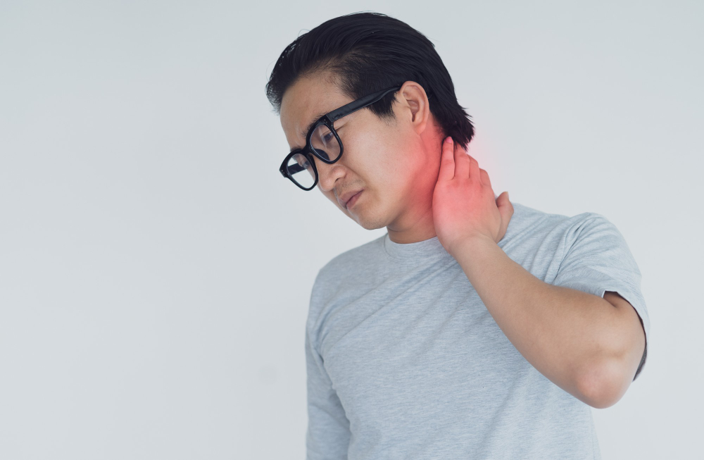 photo asian man with neck joint pain
